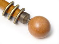 WOODEN BALL (HONEY) + ANTIQUE BRASS CONNECTOR